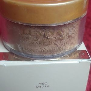 Makeup - Merle Norman Purely Mineral Makeup M90